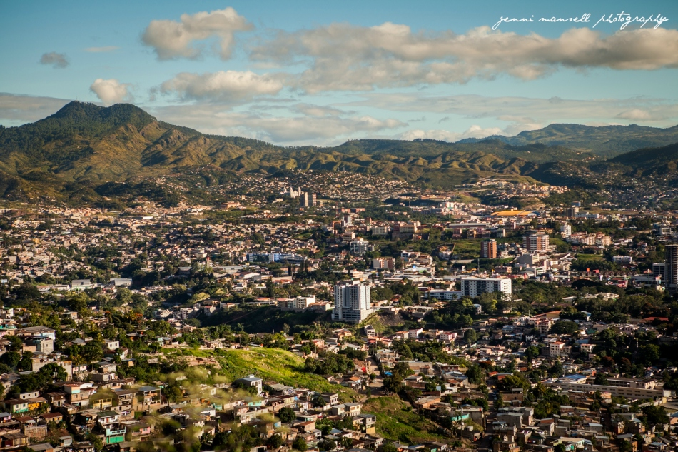 Here's one of my favorite views from one of my favorite places!  Tegucigalpa in November, as seen from the drive from El Hatillo.